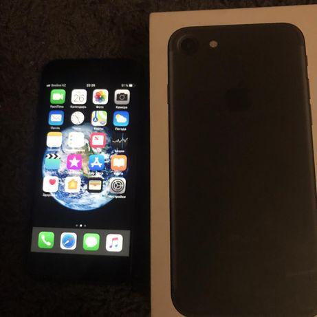 Продаётся iPhone 7 в отличном состоянии нет царапин срочно деньг нужны