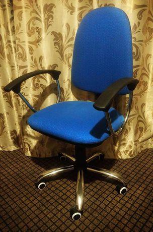 Офисное кресло Zeta Люкс, как новое