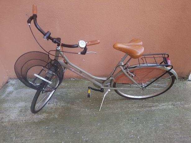 Bicicleta dama cu cos