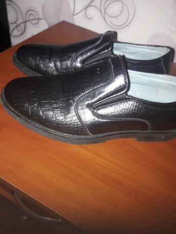 Туфли на подростка 38р