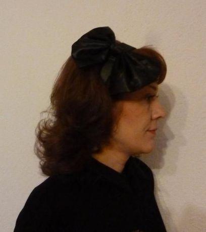 Черна диадема с панделка