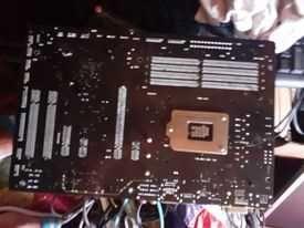 vand calculator dell cu monitor tastatura si maose si multe alte comp