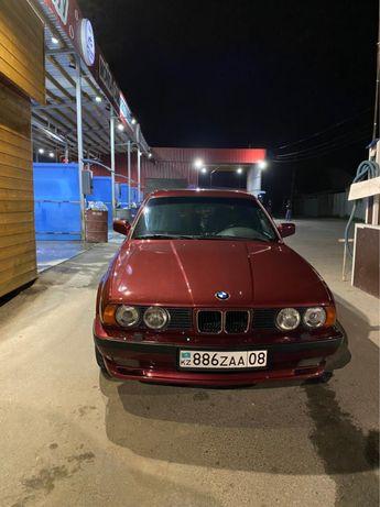BMW 525i в хорошем состоянии узкомордая