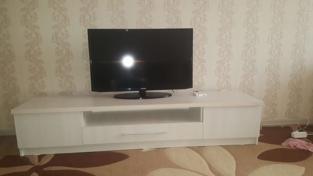 Новая Полка под телевизор