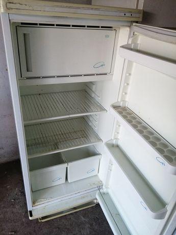 Продам Холодильник советский
