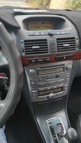Штатная магнитола Avensis T250