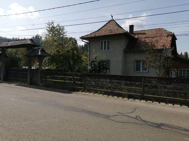 Vând casă și teren în Pojorata pe Transrarau.