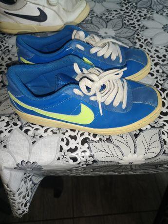 Маратонки Nike 36н