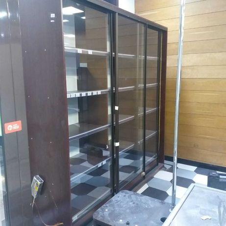 Винный шкаф, витрина