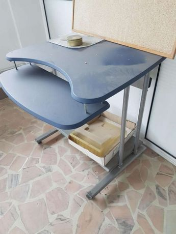 Birou- Mobilier birou mese si dulapuri