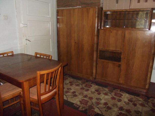 Vând Mobilă din lemn masiv curbat și accesorii pentru sufragerie