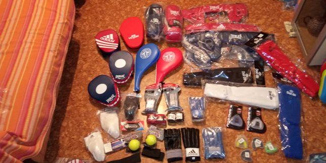 Продаю лапы, перчатки, шингарты, шлемы, бинты, капы, бандажи