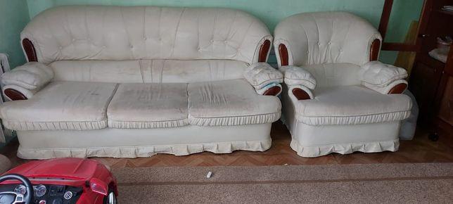 Продам диван и кресло две штуки