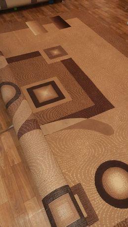 Продам ковёр 3×4.Цена окончательная.Только после химчистки.
