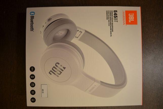 Casti audio on-ear JBL E45, Bluetooth, White