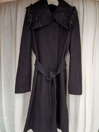 Palton mărimea L marca Eleni Viare, stare foarte buna