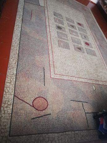 Продам ковёр 3,5 ширина, длина 6 метров