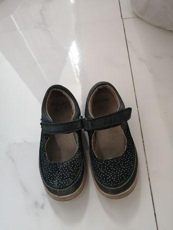 Продам детские туфли Clarks