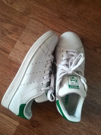 Продам кроссовки Adidas Originals