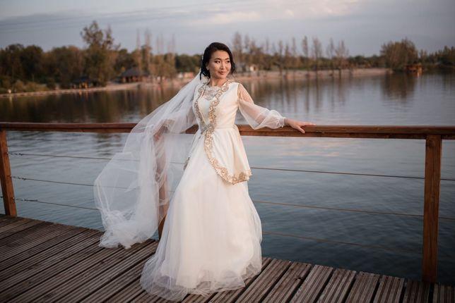 Продам красивое платье + камзол+саукеле