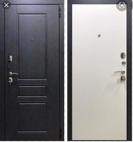 Железная дверь, почти новая