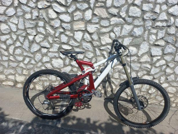 "Bicicleta DOWNHILL Foes Usa cadru M roti 26"""