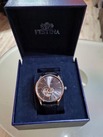 Часовник Фестина саамонавиващ