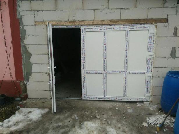 Usi de garaj din termopan