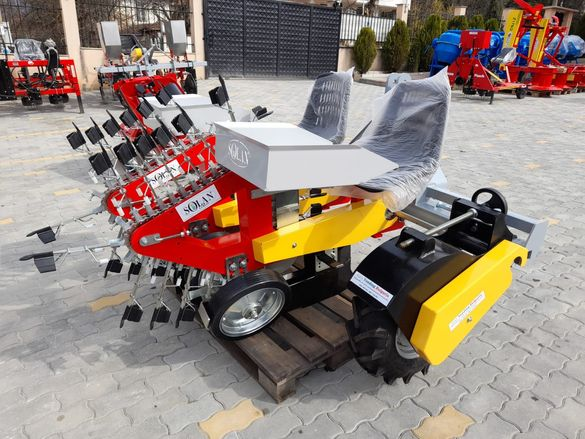 Разсадо-посадачни машини с полуавтоматичен захват