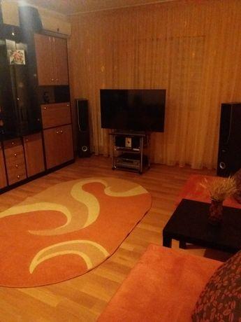 Apartament 3 camere decomandat de vanzare