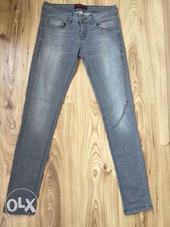 BЕRSHKA дамски дънки оригинал, size36 slim fit,ластични,сиви,като нови