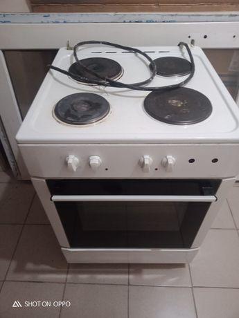 Продам электро плиту  бушный . Состояние хороший