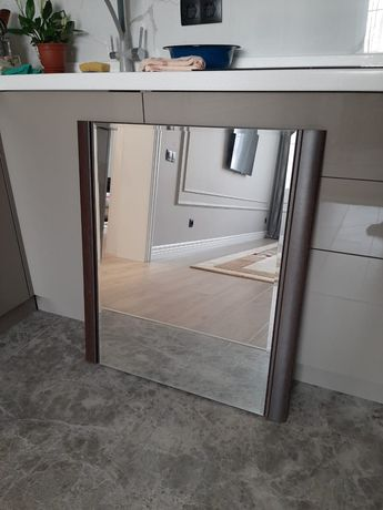 Зеркало настенное для спальни