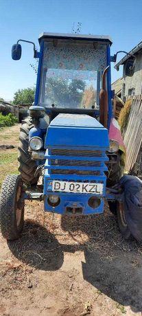 Vând Tractor 45 cp