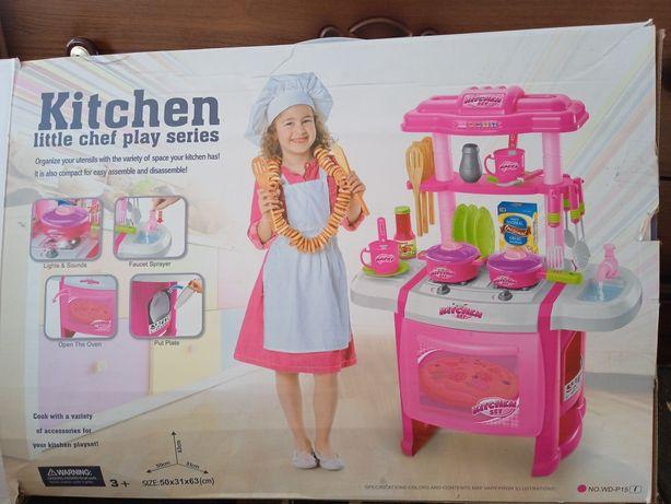 Продам кухню для девочки