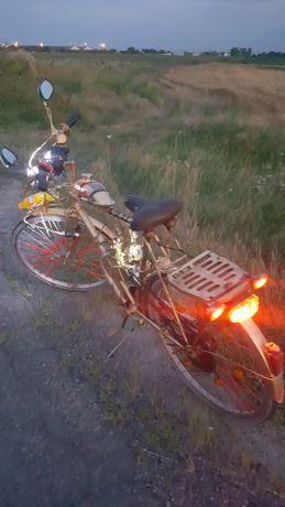 Bicicletă cu motor