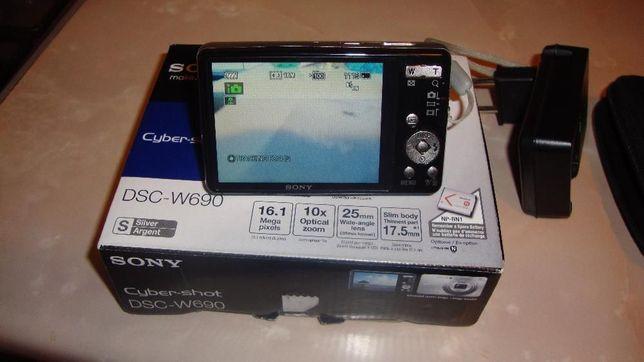 Aparat foto Sony W690