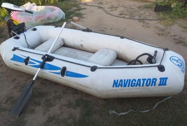 Продам лодку состояние хорошее одна латка два насоса весла
