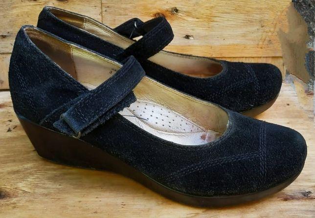 Продам туфли и мокасины