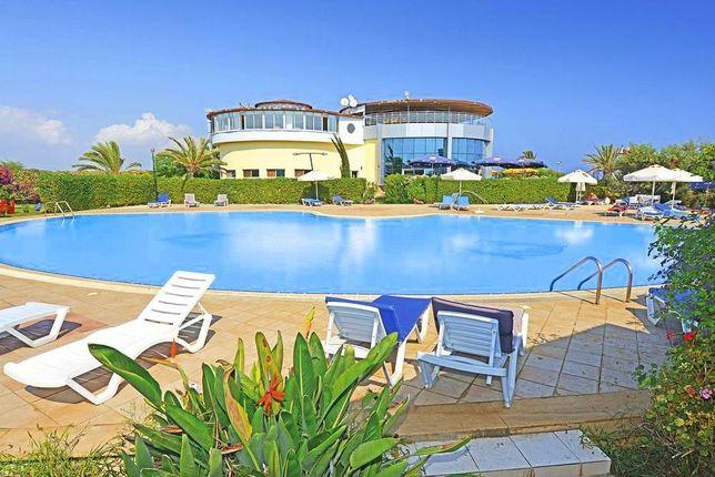 Продам недвижимость на Кипре у моря