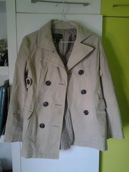 Дамско палто с копчета