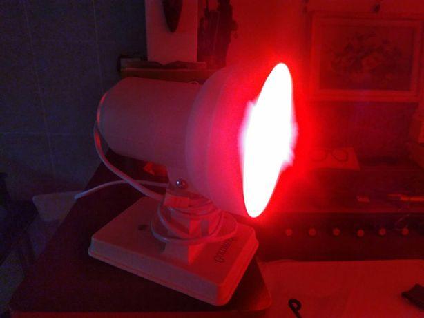 Lampa medicala cu infrarosu