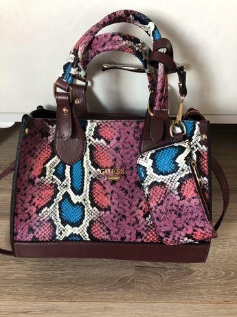 Дамски чанти Guess