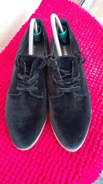 Pantofi noi Graceland nr 38