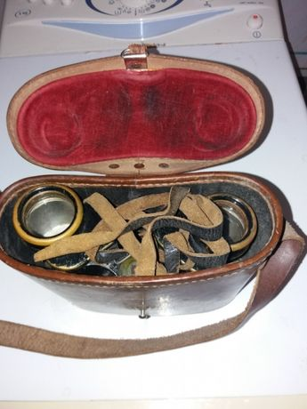 Binoclu militar antic in cutie originala curele originale