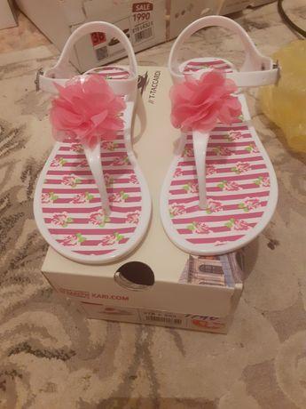 Продам пляжный сандали