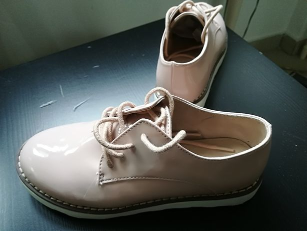 Vand pantofi Zara
