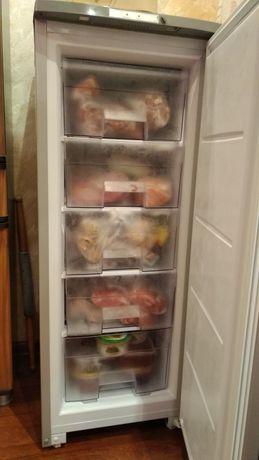 Морозильник-шкаф Бирюса
