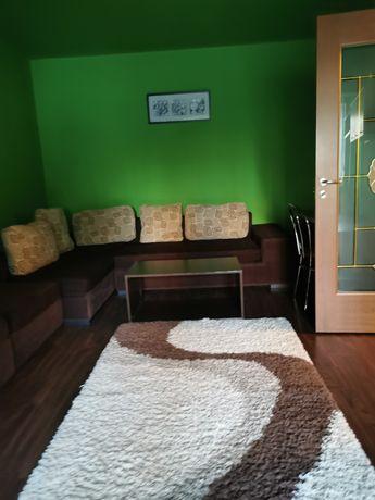 Închiriez apartament cu doua camere zona spitalul județean Brașov.