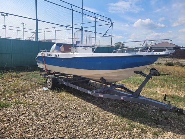 Vând barca cu motor de 90 cp și peridoc Variante Auto